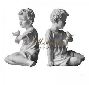 Скульптура миниатюра мальчик с птичкой СК-022